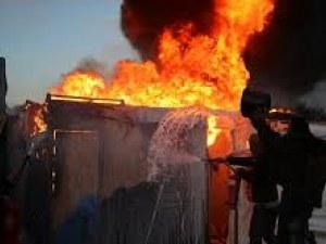 Мигранти пребиха български шофьор и запалиха камиона му във Франция