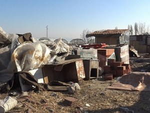 Започва се! До час събарят незаконните къщи във Войводиново ВИДЕО