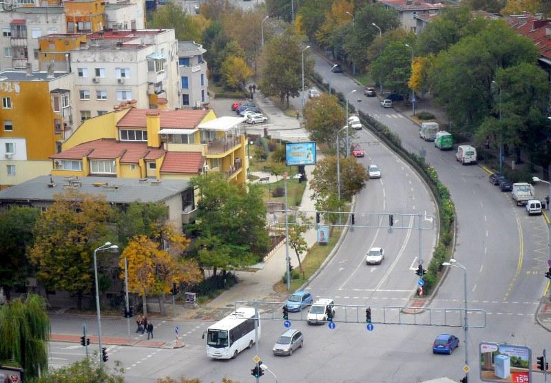 Честито! Затварят част от голям булевард в Пловдив утре - 15 автобуса сменят маршрута си