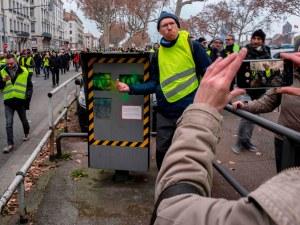 """""""Жълтите жилетки"""" са разрушили 60% от камерите за скорост във Франция"""