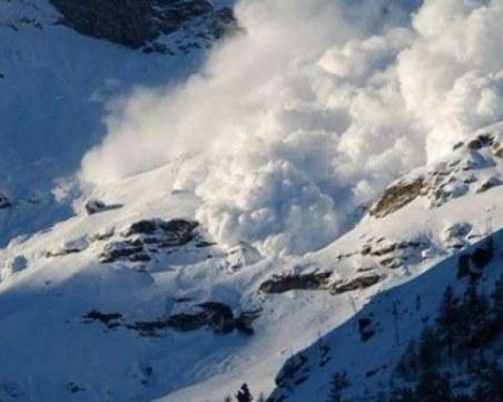 Лавина уби турист над Банско, още един е в неизвестност