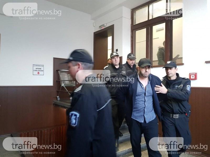 Оставиха Пеньо Мангъров в ареста