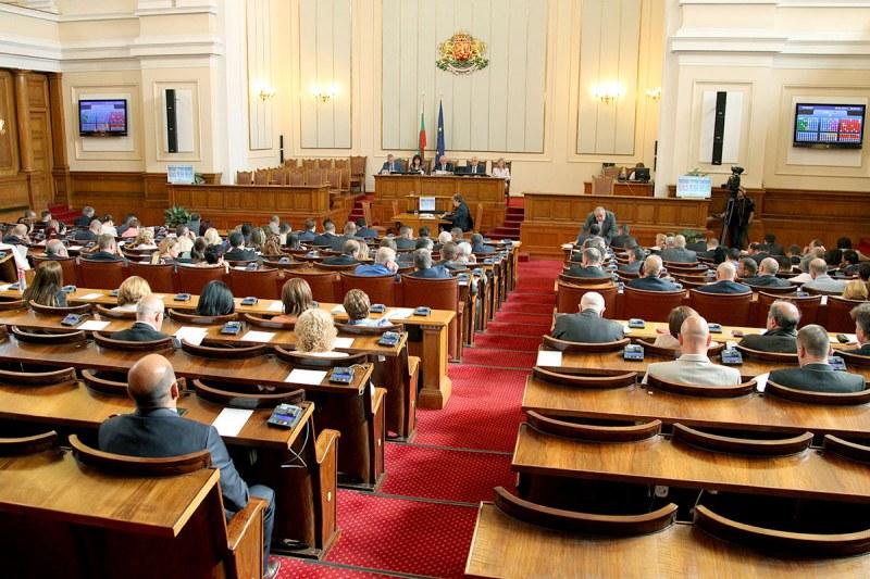 Парламентът открива сезона с чумата по козите и овцете