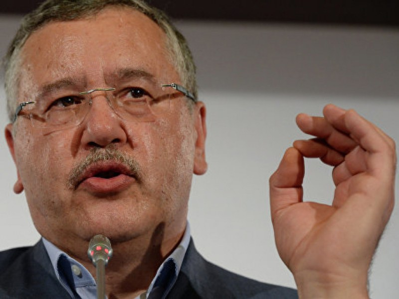 """""""Ще отсичам ръцете на корупционерите"""", заяви кандидат за президент на Украйна"""