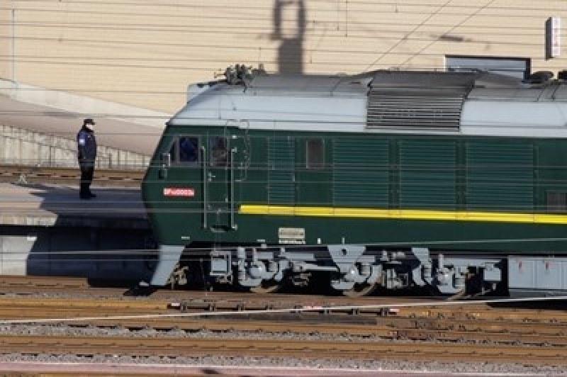 Влак и камион се блъснаха в Словакия! Има ранени