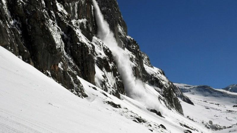 Спасителите: Голям риск от лавини през уикенда