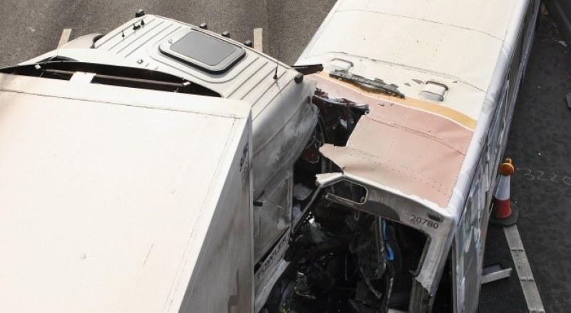 Тежка катастрофа в Швеция! Шест души загинаха