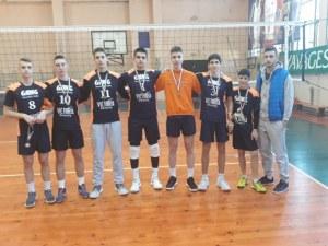 """СУ """"Цар Симеон Велики"""" шампион по волейбол, гони квота за световно"""