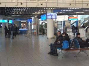 Пасажери на летище София: Няма да летим и ще висим по хотели, но дано стачката успее ВИДЕО