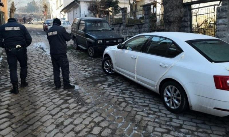 """Отмъщение: """"запечатаха"""" кола в Шумен"""