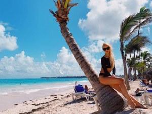 Известна синоптичка на почивка в Доминиканската република СНИМКИ