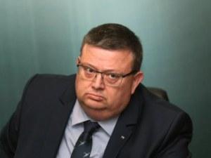Цацаров ще пише правила за реакция при обида на прокурори