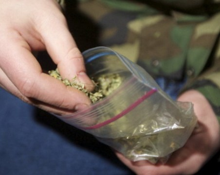 22-годишен младеж ще прекара три дни в ареста заради марихуана