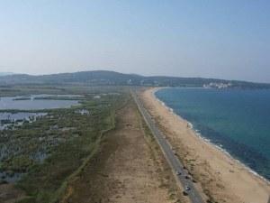 Отново багери и бетон на пясъка - този път край Созопол