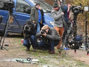 Нова издънка: Принц Филип карал без колан след катастрофата