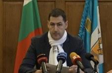 Общинарите вдигат заплатата на кмета на Пловдив – таванът е 4600 лева!
