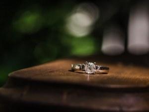 Мъж предложи брак на гаджето си, докато... спи