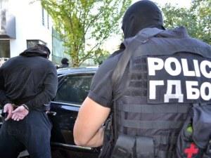 Арестуваха мъж, имал помещение за платени секс услуги в центъра на Бургас