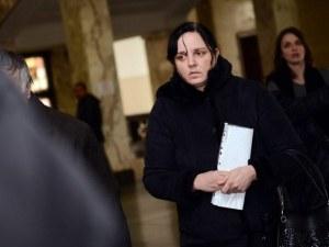Акушерката Ковачева с нов адвокат - иска да гледа записите за битото бебе