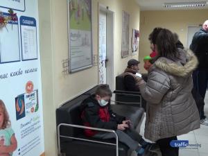 Лекари връщат болни деца, отделенията в Пловдив се пукат по шевовете, майките в паника
