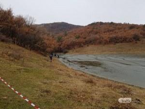 Продължава издирването на 15-годишното момче, потънало във водоем край Марково