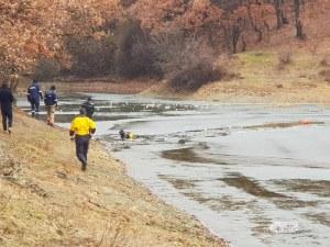 Водолази намериха тялото на 15-годишното момче, потънало във водоем край Марково СНИМКИ