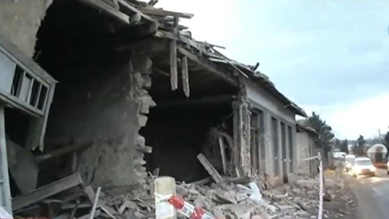 Тир отнесе къща в търновско село
