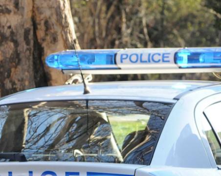 Скандал пред нощно заведение в Свищов завърши с избит зъб на млада жена