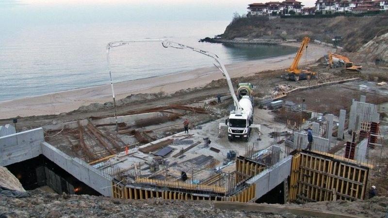 Проверяват Созопол и Царево заради бетона край плажната ивица