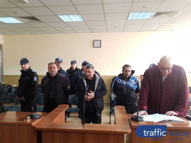 Дилърът Кадрито и двама от бандата му остават в ареста СНИМКИ+ВИДЕО