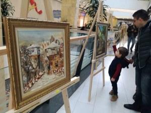 Цветни картини оживяха в изложба в пловдивски мол СНИМКИ