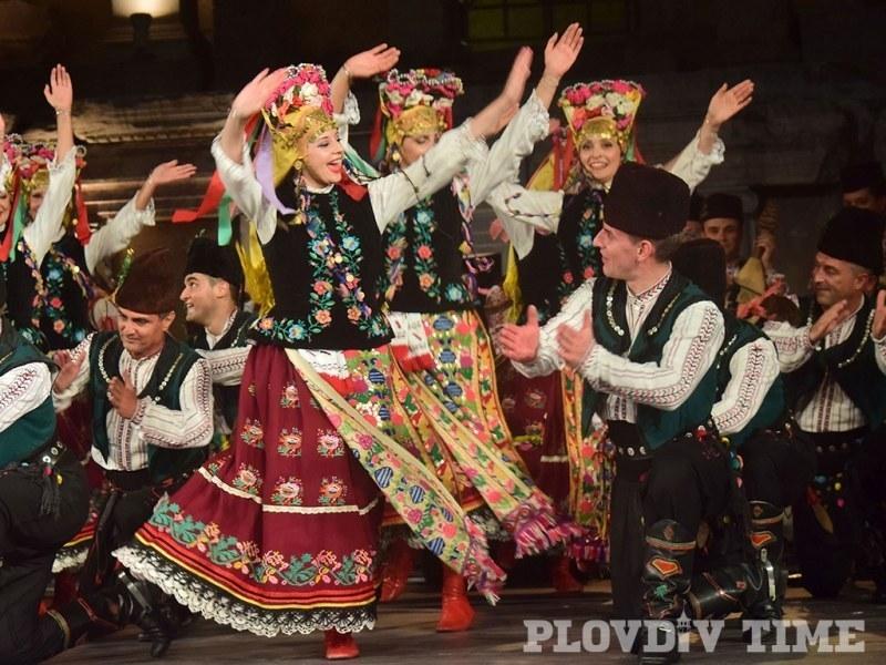 """Ансамбъл """"Тракия"""" с празничен концерт по повод 3 март"""