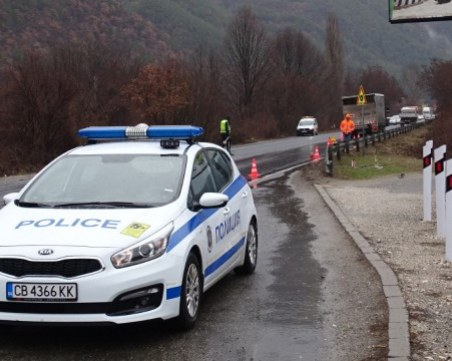 Спецакция в Бургас! Арестувани са шестима, арестите продължават