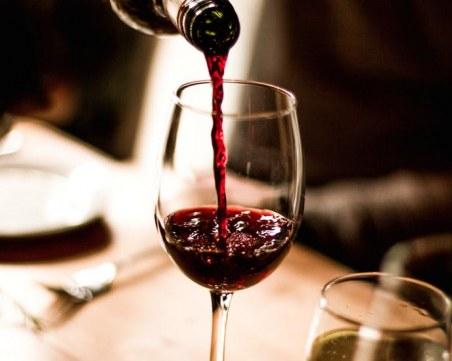 Седмокласник изпадна в кома, напил се с вино и ракия при баба и дядо