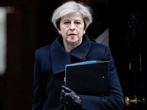 Британското правителство тайно се опитва да отложи Брекзит?