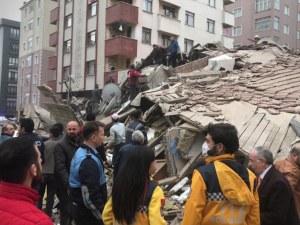 Шестетажна сграда се срути в Истанбул