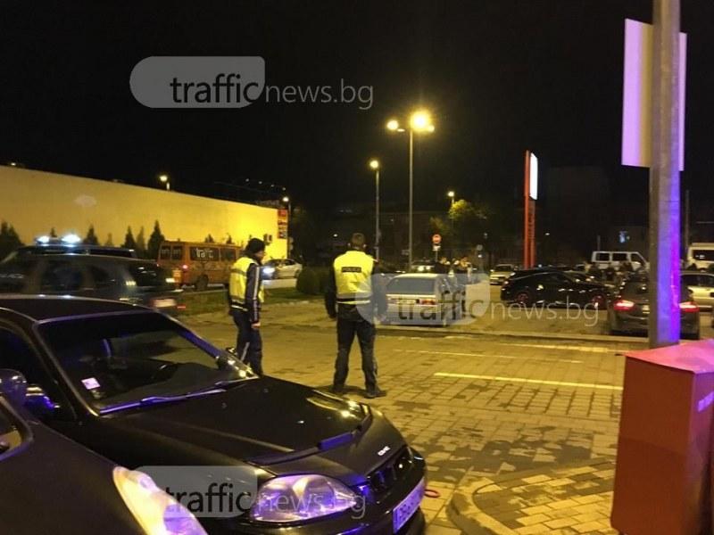 Пловдивчанин спря скъпата си кола на пешеходна, жена му направи забележка, той я прати в болница