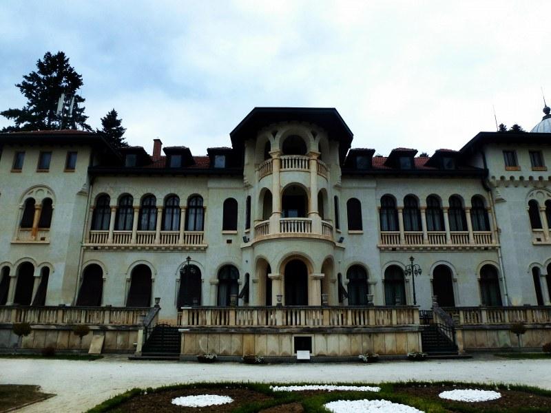 Каква е историята на царския дворец