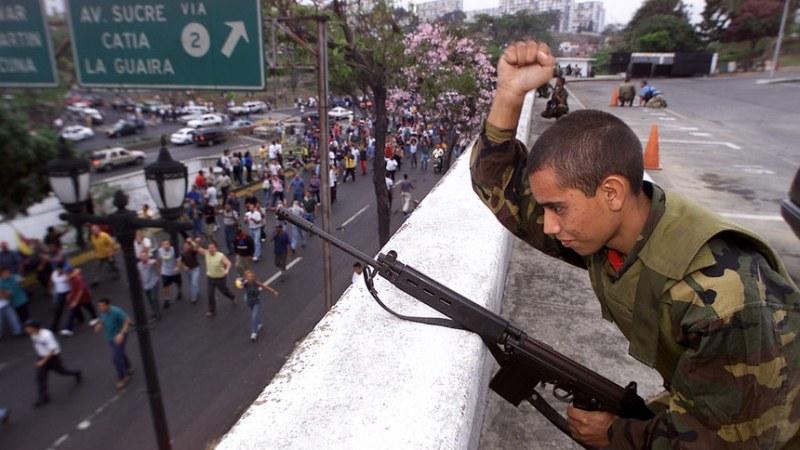 Посланикът на Венецуела в България: Народът и армията са готови да защитят страната