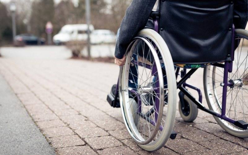 Според ТЕЛК момче с прогресиращо и нелечимо заболяване трябва да ходи на работа