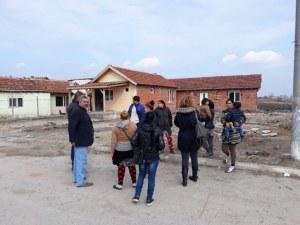 Ромите от Войводиново отново си тръгнаха, с тях били и представители на БХК