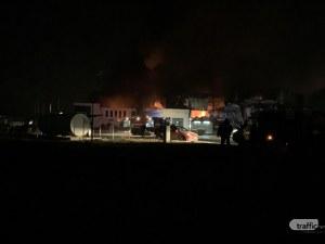 Пожарът във Войводиново може да остави 300 работници на улицата ВИДЕО И СНИМКИ С ДРОН