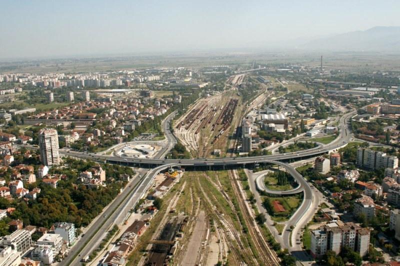 Нова концепция в Пловдив – правят споделени улици за коли и пешеходци, но без паркиране