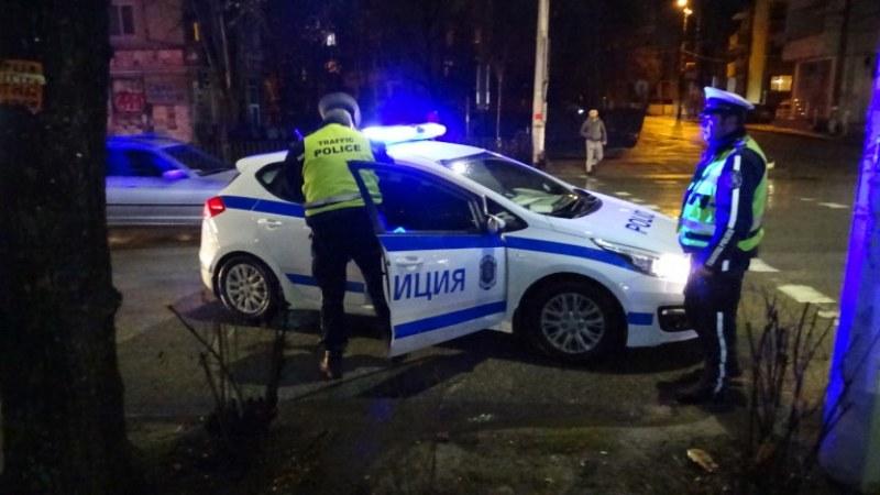 Смърт в тролейбус в София! Мъж тръгна да слиза и... почина