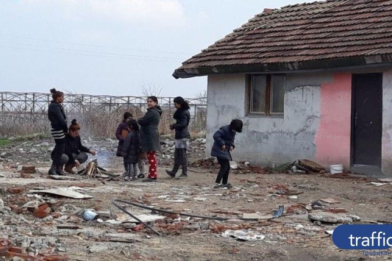 ВМРО скочиха срещу даването на общински жилища на ромите от Войводиново под тепетата