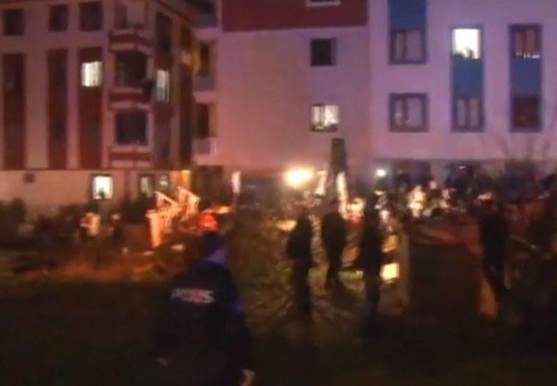 Военен хеликоптер се разби между блокове в Истанбул! Четирима загинаха