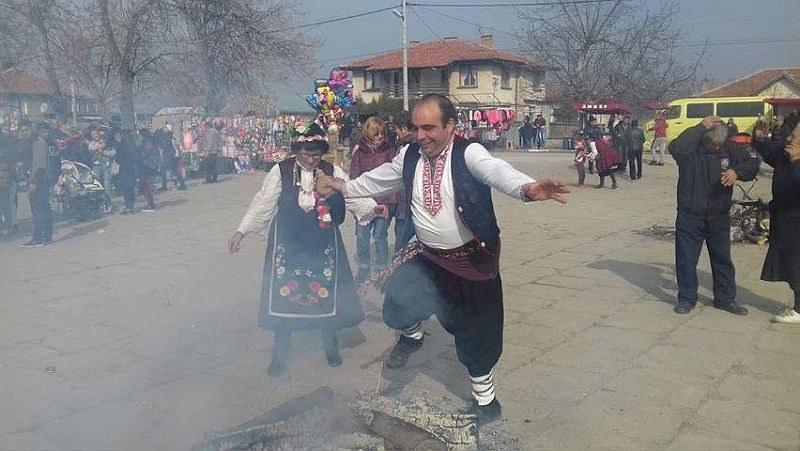 Откраднаха най-красивата мома в пловдивско село с обичая