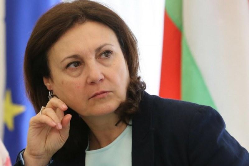 Президентът склони Бъчварова да стане посланик в Израел