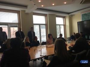 Признаха: Шофьорите в София карат двойни смени ВИДЕО