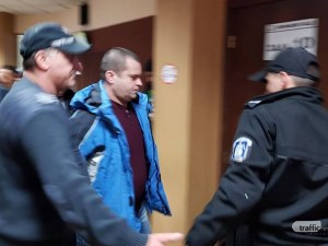 Фалстарт на процеса срещу Илия, обвинен за жестокото убийство на пловдивския доцент СНИМКИ